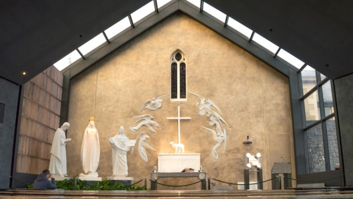 paddy power at knock shrine 752x501